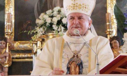 Ojciec Święty podjął decyzję w sprawie biskupa kaliskiego Edwarda Janiaka