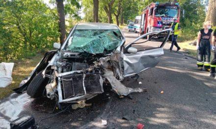 Tragiczny finał wypadku w Mikstacie. Nie żyje 30-letni kierowca toyoty