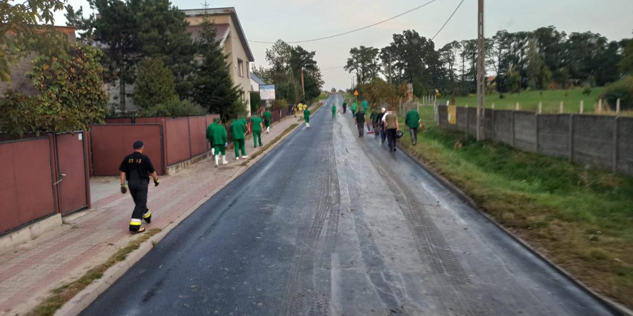 Mikstat: Śliska maź na drodze wojewódzkiej
