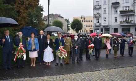 Oddali hołd bohaterom i ofiarom II wojny światowej
