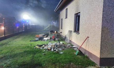 Pożar domu w Siedlikowie. Straty sięgają 100 tys. zł