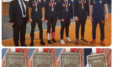 Mistrzostwa Polski full-contact w srebrnym kolorze dla zawodników Kick-Boxing Club Poprava