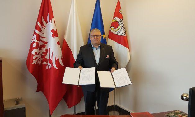 Powiat ostrzeszowski: Umowy podpisane