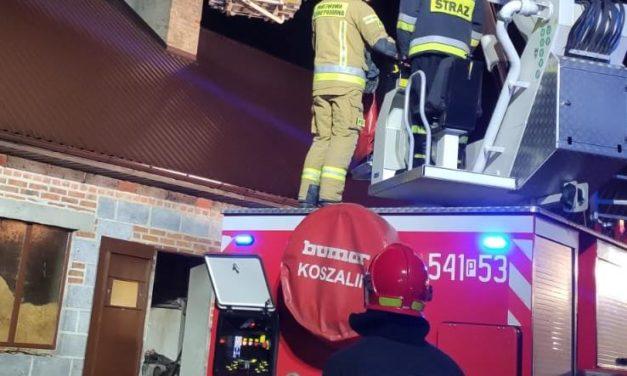 Pożar sadzy w kominie. Ostrzeszowscy strażacy radzą