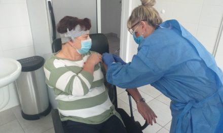 W Ostrzeszowie ruszyły szczepienia przeciwko COVID-19