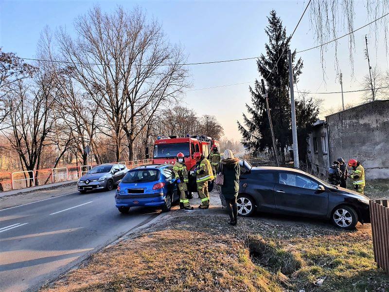 Kolizja trzech pojazdów w Ostrzeszowie