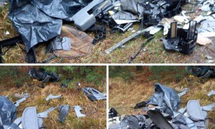 Kto wyrzucił części samochodowe przy drodze?