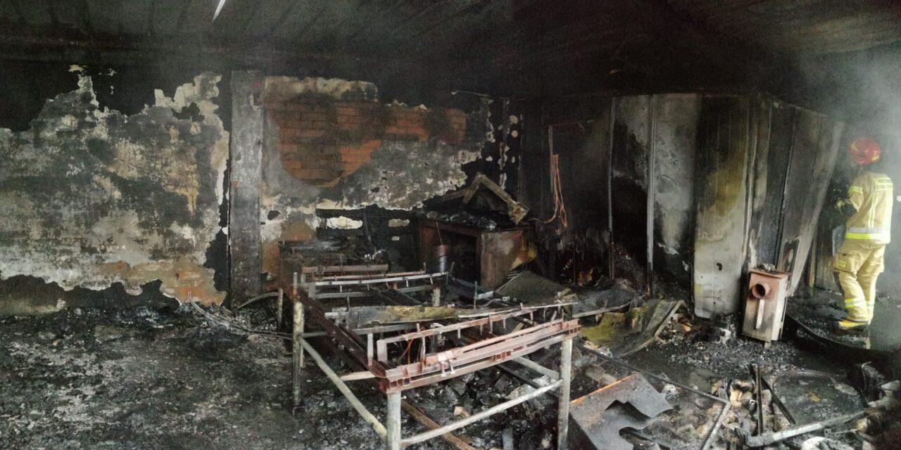 Pożar w Czajkowie. Straty sięgają 100 tysięcy złotych