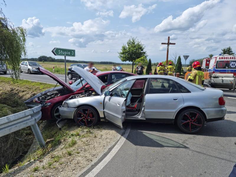 Wypadek w Pisarzowicach. Wśród poszkodowanych kobieta w ciąży