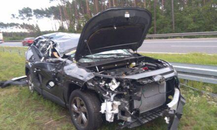 Zasnął za kierownicą i uderzył w volvo