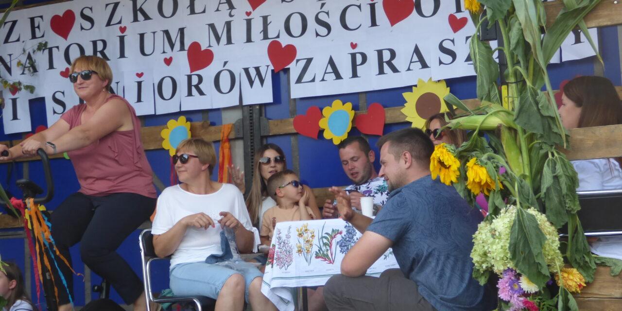 Zabawa i podziękowanie za plony w Kraszewicach (FOTORELACJA)